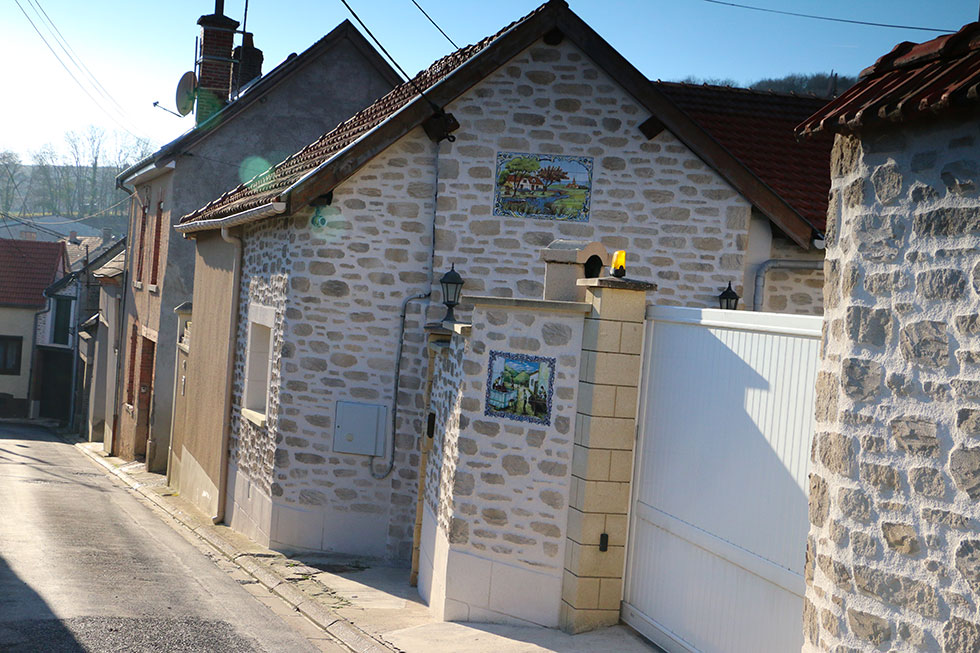 Rues typiques village de la Champagne à Trépail